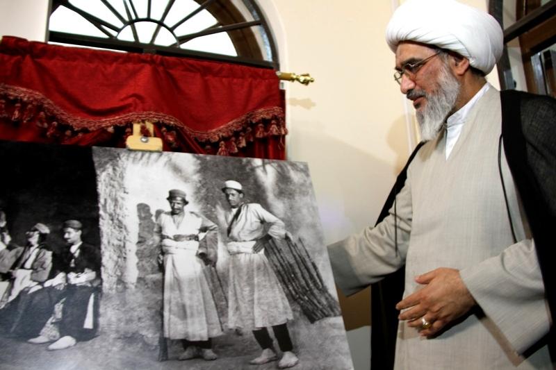 بازدید نماینده ولی فقیه در استان از مرکز اسناد و کتابخانه ملی بوشهر