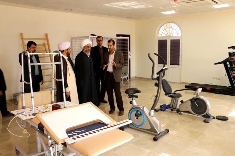 بازدید آیت الله صفایی بوشهری از اداره کل بنیاد شهید استان بوشهر
