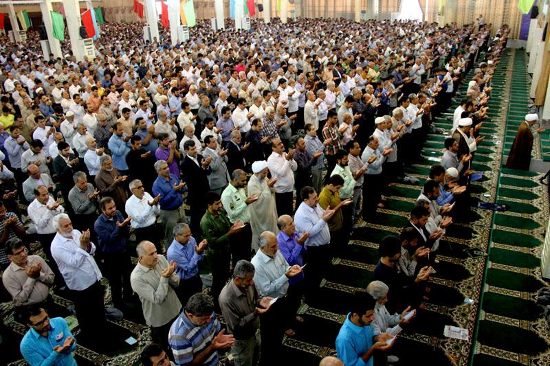 حضور باشکوه مردم در نماز عید سعید فطر بوشهر
